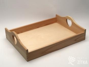 Dřevěný servírovací tác se srdíčkem